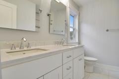 Main-Level-Bath-_DSC6692